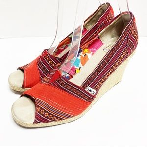 Toms Red Lena Striped Wedge size 8.5